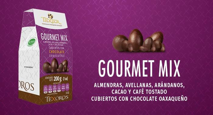 Gourmet Mix son Almendras, Avellanas, Arándanos, Cacao y Café tostado cubiertos con delicioso Chocolate Gourmet de Oaxaca Texier